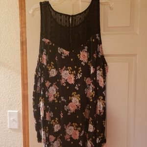 Torrid black and flower tank with lace